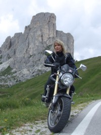 honda girl on passo giau.jpg
